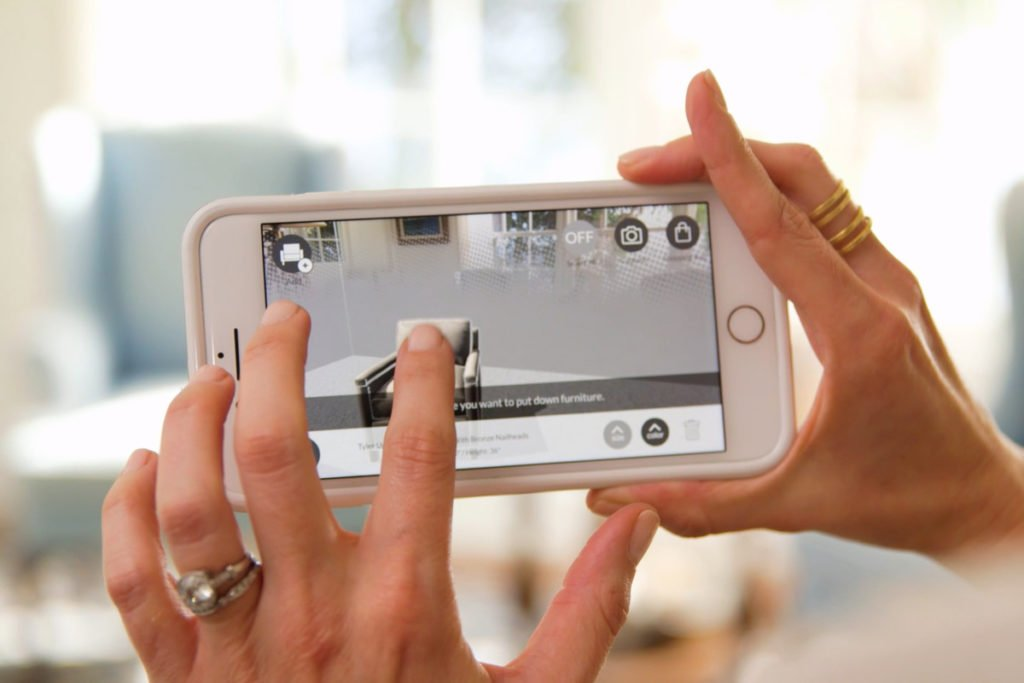 Williams Sonoma blends with AR